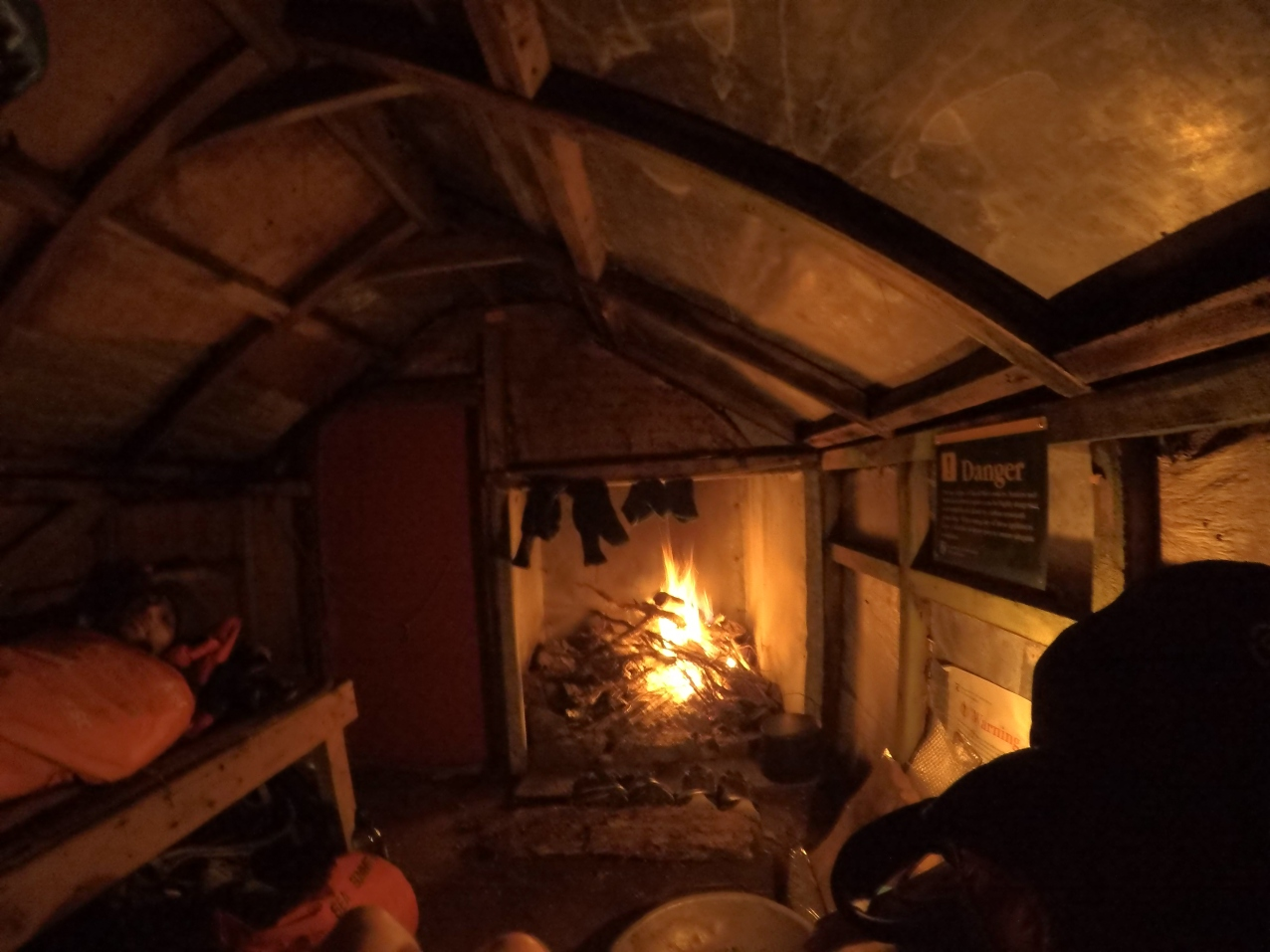 Looks warm and cosy in here but it was bloody freezing